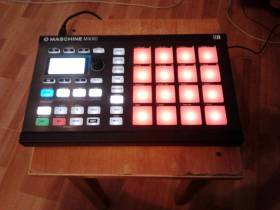 Native Instruments Machine Mikro